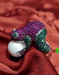 frog pearl ring