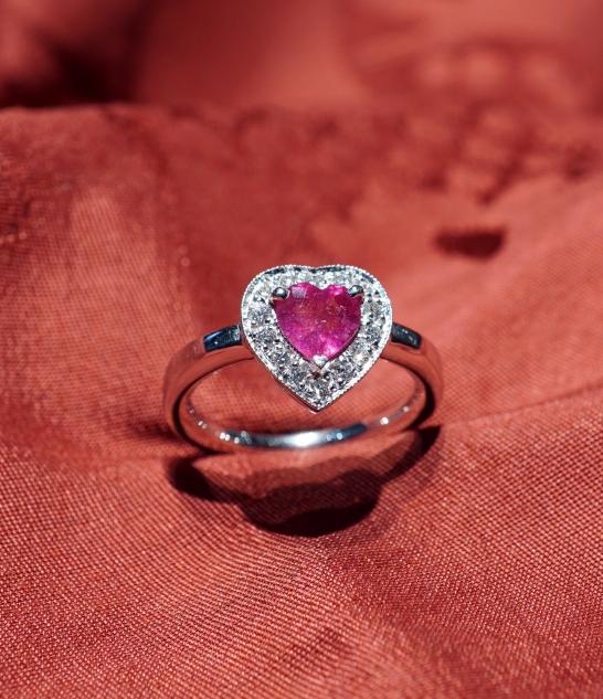 elegante seleziona per ufficiale caratteristiche eccezionali Anello rubino cuore - Gioielli venezia