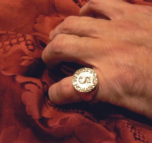 ring 5 schei de mona