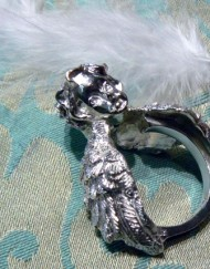 silver ring angel guardian_800x600