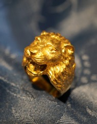 gold lion ring 1