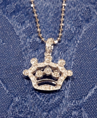 2a1c27addeb79b Gold crown pendant - Gioielli venezia