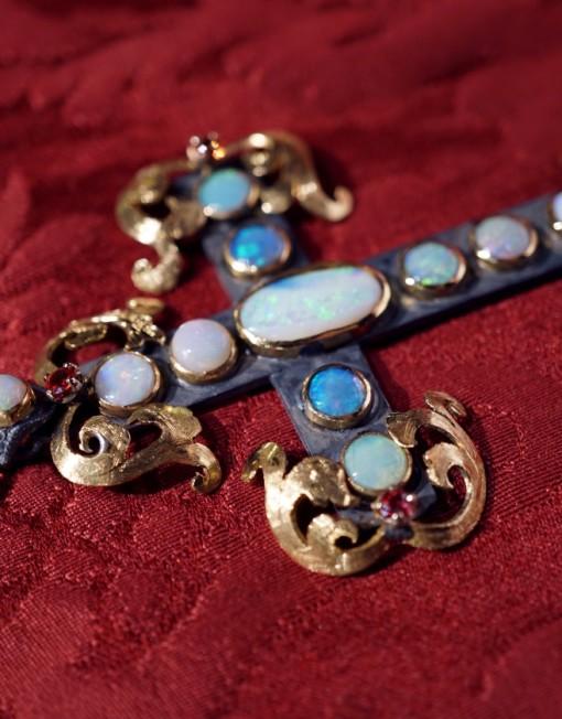 opals cross